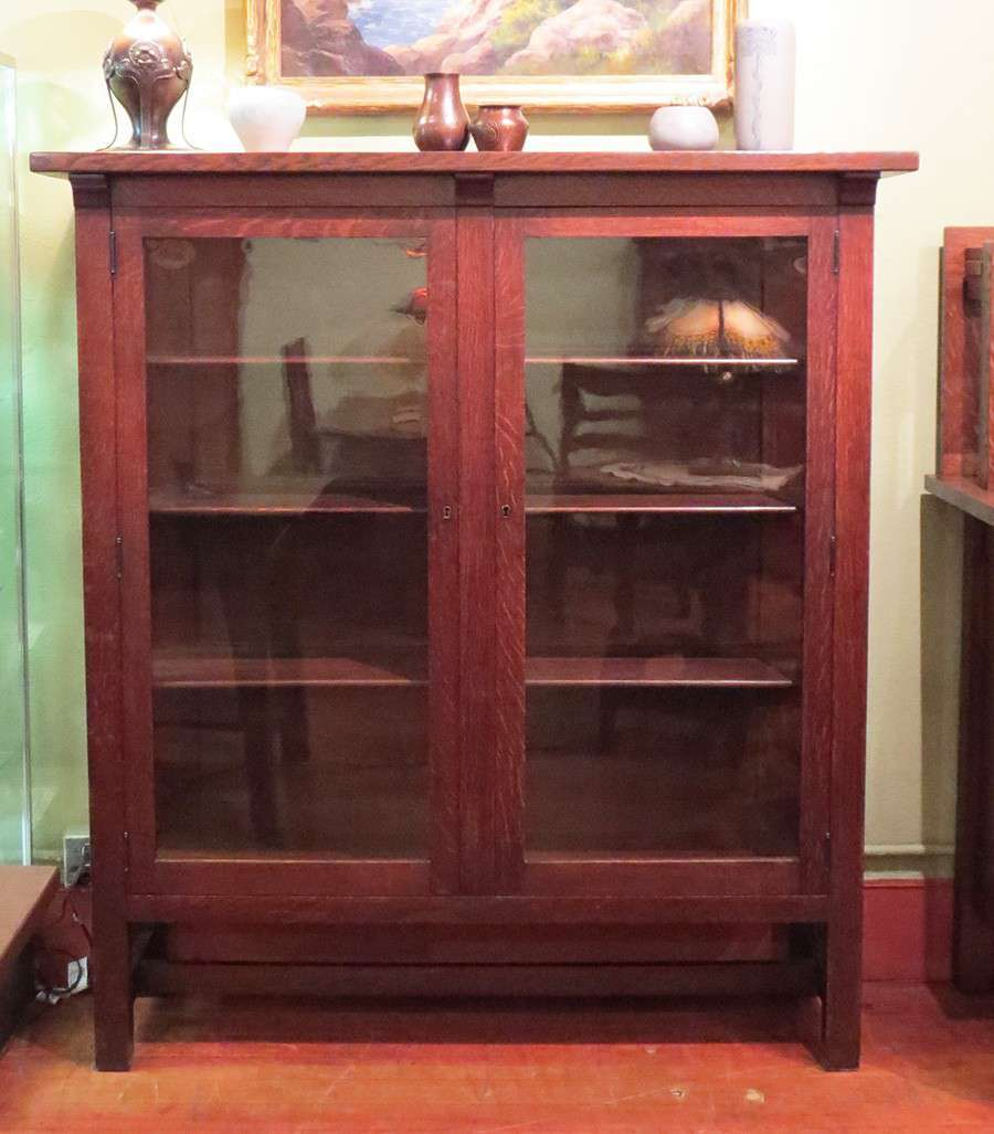 Grand Rapids Furniture Co 2 Door China Cabinet