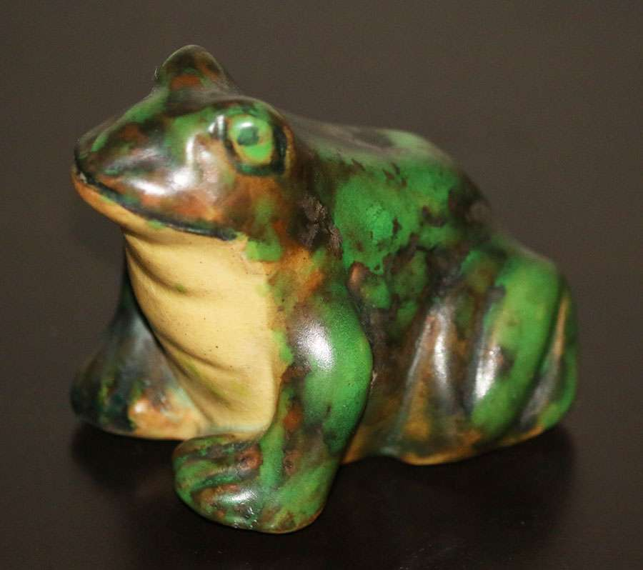 Weller Coppertone Frogs California Historical Design