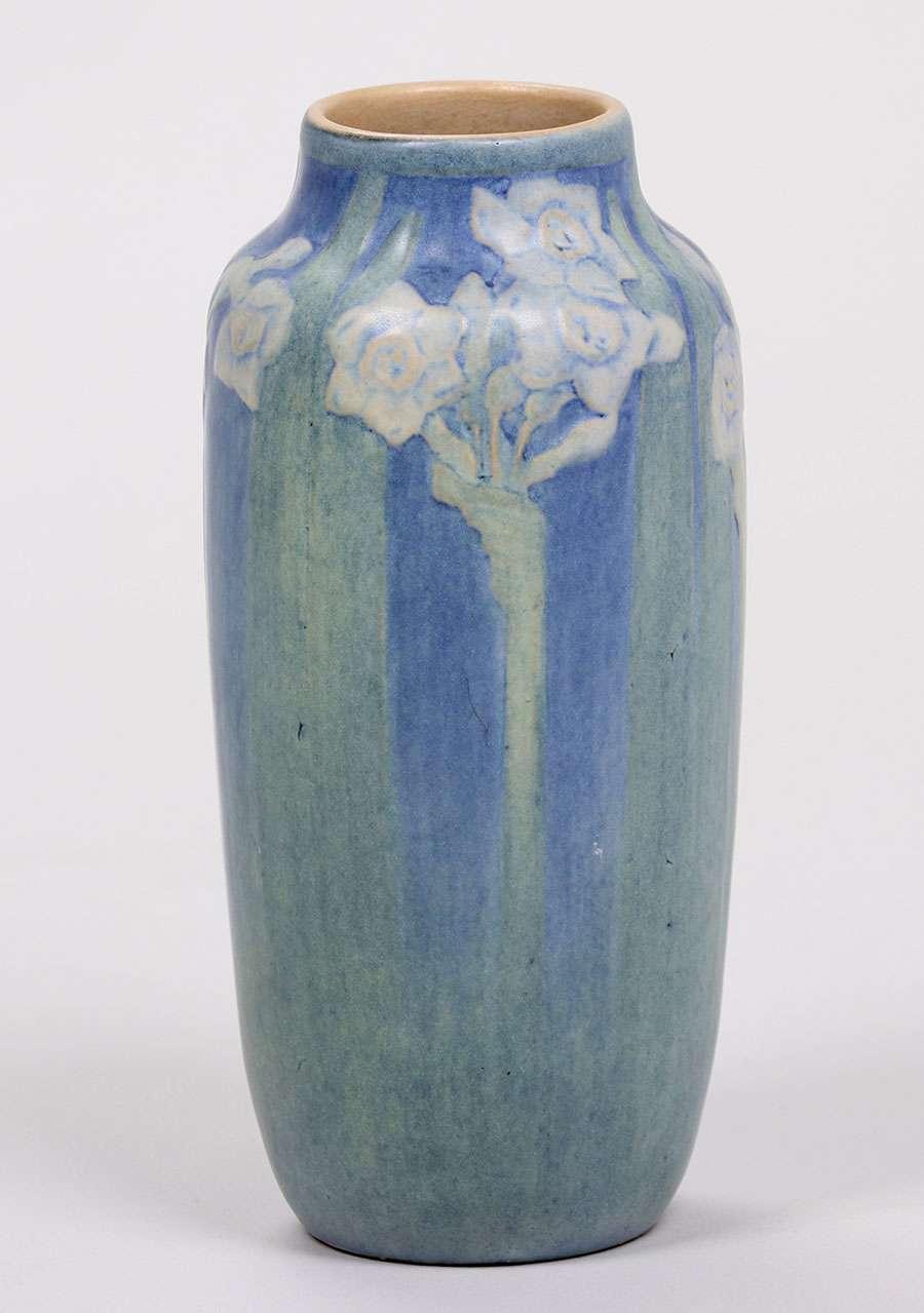 Newcomb College Vase Henrietta Bailey C1918 California Historical Design
