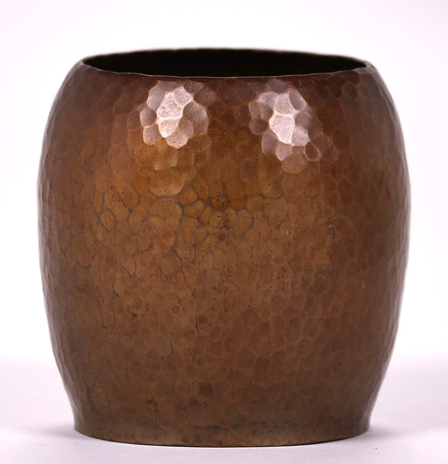 Harry dixon hammered copper vase c1920 1925 california harry dixon hammered copper vase c1920 1925 california historical design reviewsmspy